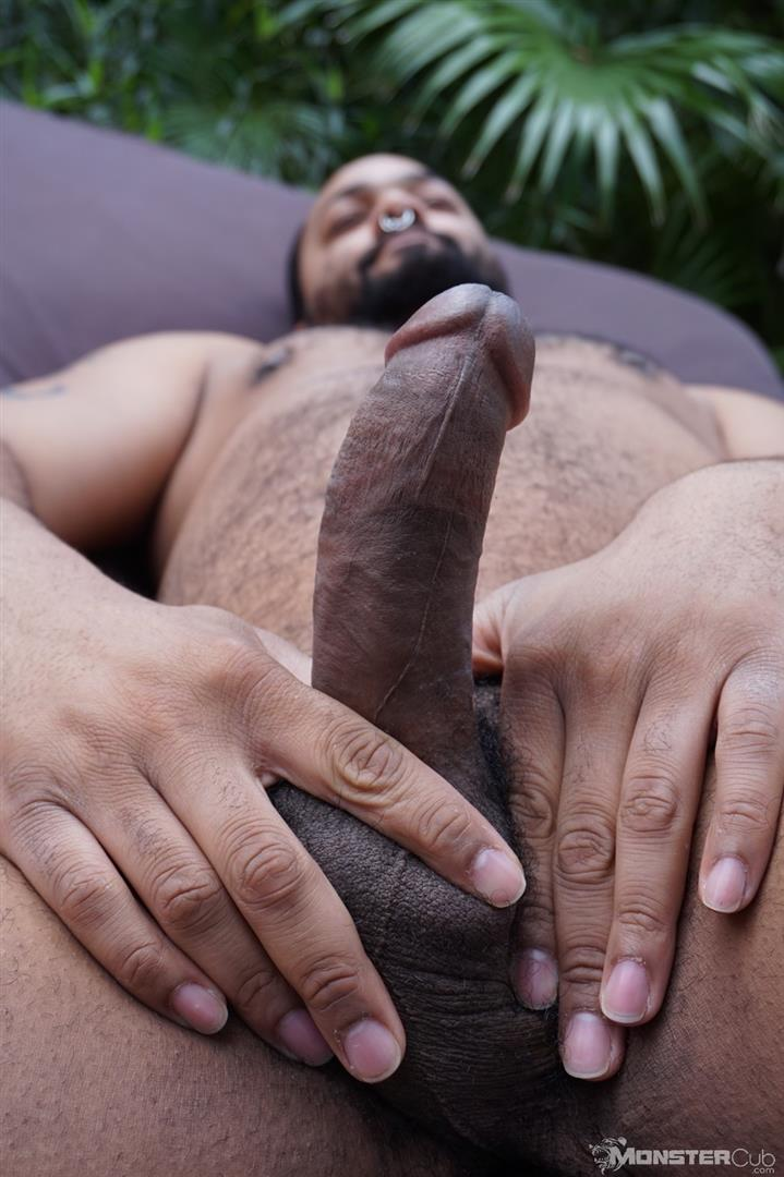 Monster-Cub-Gus-and-Rhino-Hairy-Chubby-Cubs-Barebacking-Amateur-Gay-Porn-03 Hairy Chubby Cub Bears Fucking Bareback In The Backyard