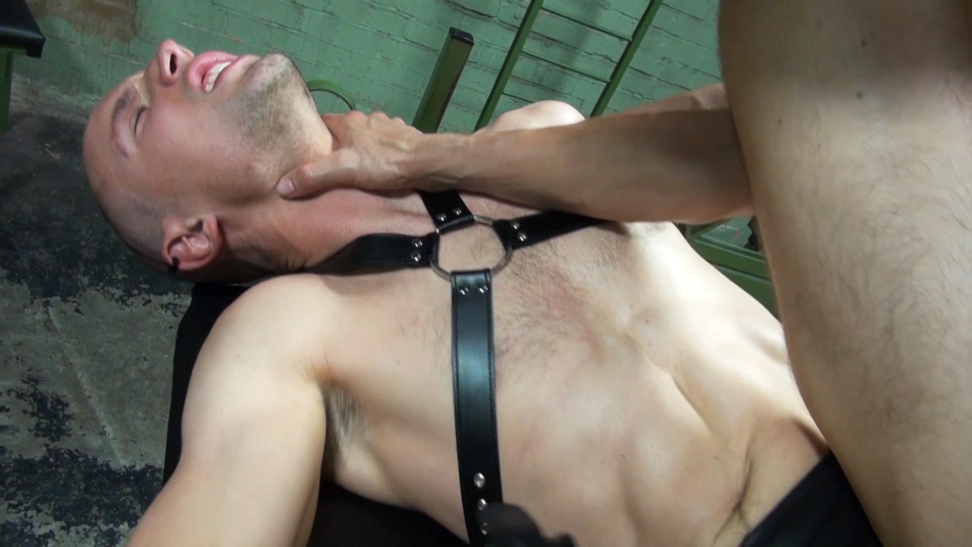 Dark-Alley-XT-Anakonda-and-Jason-Domino-Bareback-Big-Uncut-Cock-Amateur-Gay-Porn-1 Breeding A Slave Hole With A Big Uncut Cock At The Bathhouse