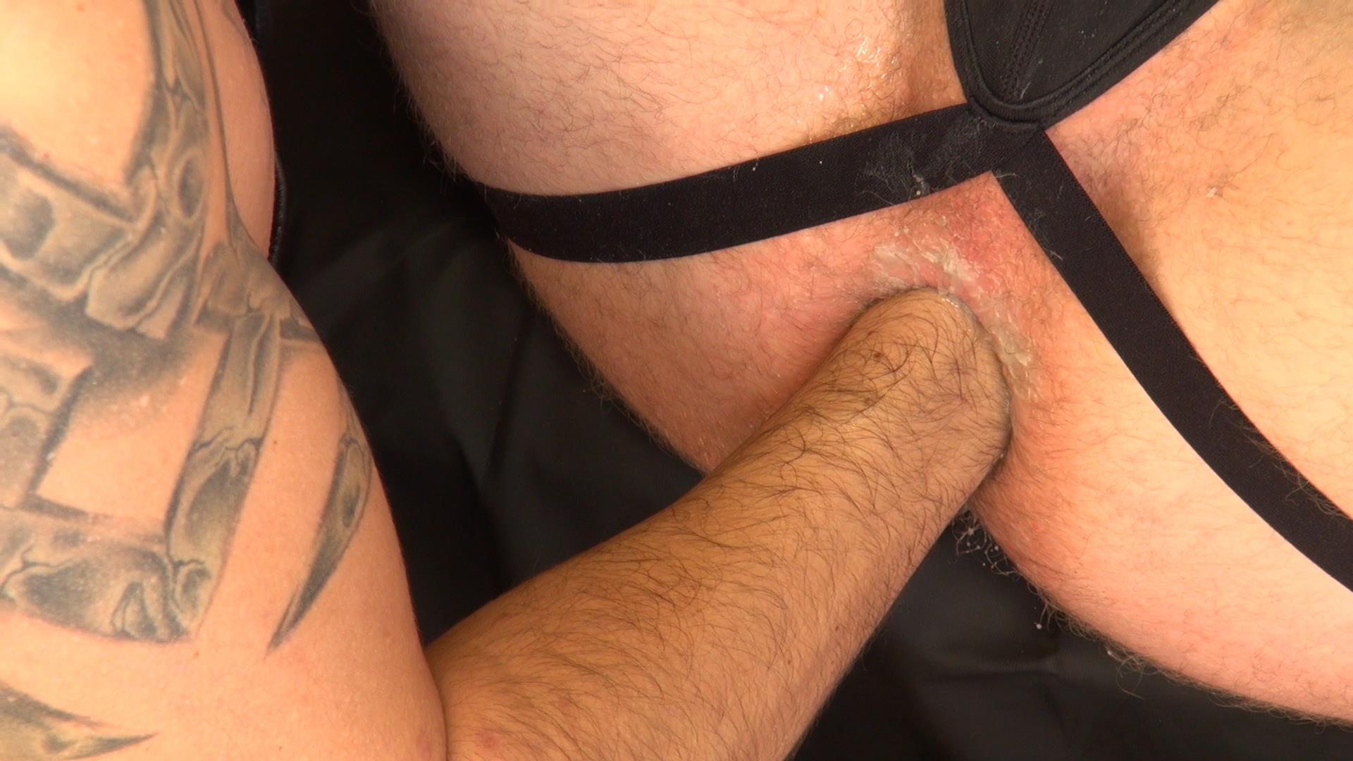 Raw-and-Rough-Brian-Bonds-and-Diego-Tovar-Bareback-Sex-and-Fisting-09 Brian Bonds Gets Fisted!